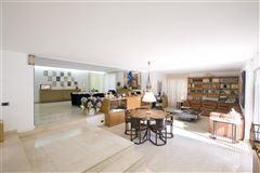 Luxury properties Exclusive property in Santa Apolonia