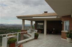 Luxury properties A Magnificent Villa In El Bosque Golf
