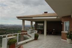 Luxury properties A Magnificent Villa In El Bosque Golf