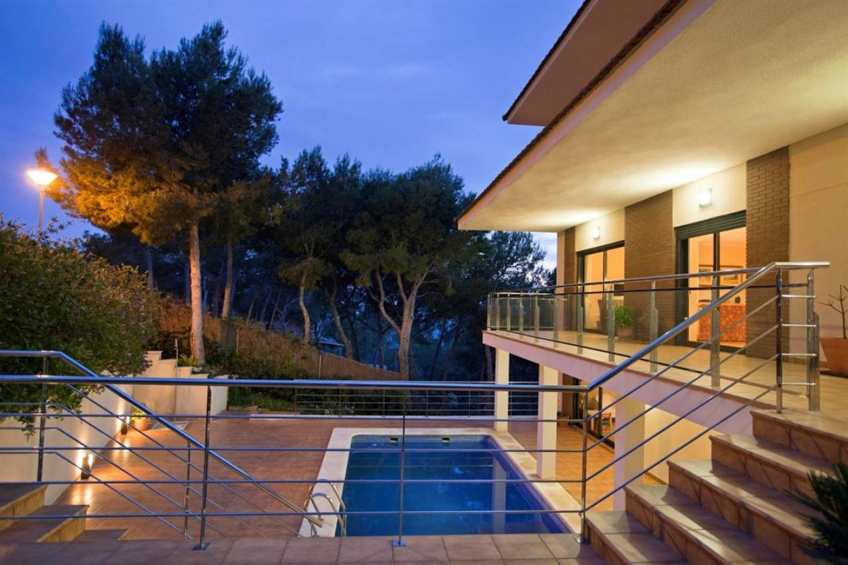 Luxury homes Beautiful villa with stunning views