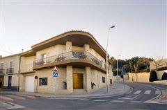 Luxury real estate recently uilt villa in Godelleta