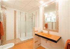 recently uilt villa in Godelleta luxury properties