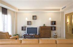 Mansions recently uilt villa in Godelleta