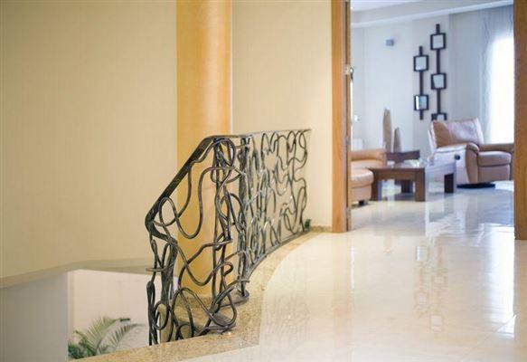 recently uilt villa in Godelleta luxury homes
