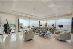 Luxury properties newly constructed contemporary with amazing views