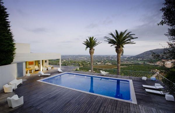 Luxury homes impressive panoramic views