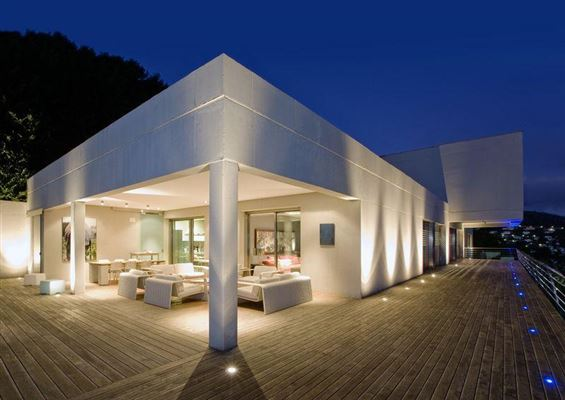 impressive panoramic views luxury homes
