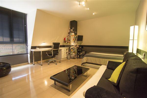Luxury homes unique Calicanto property