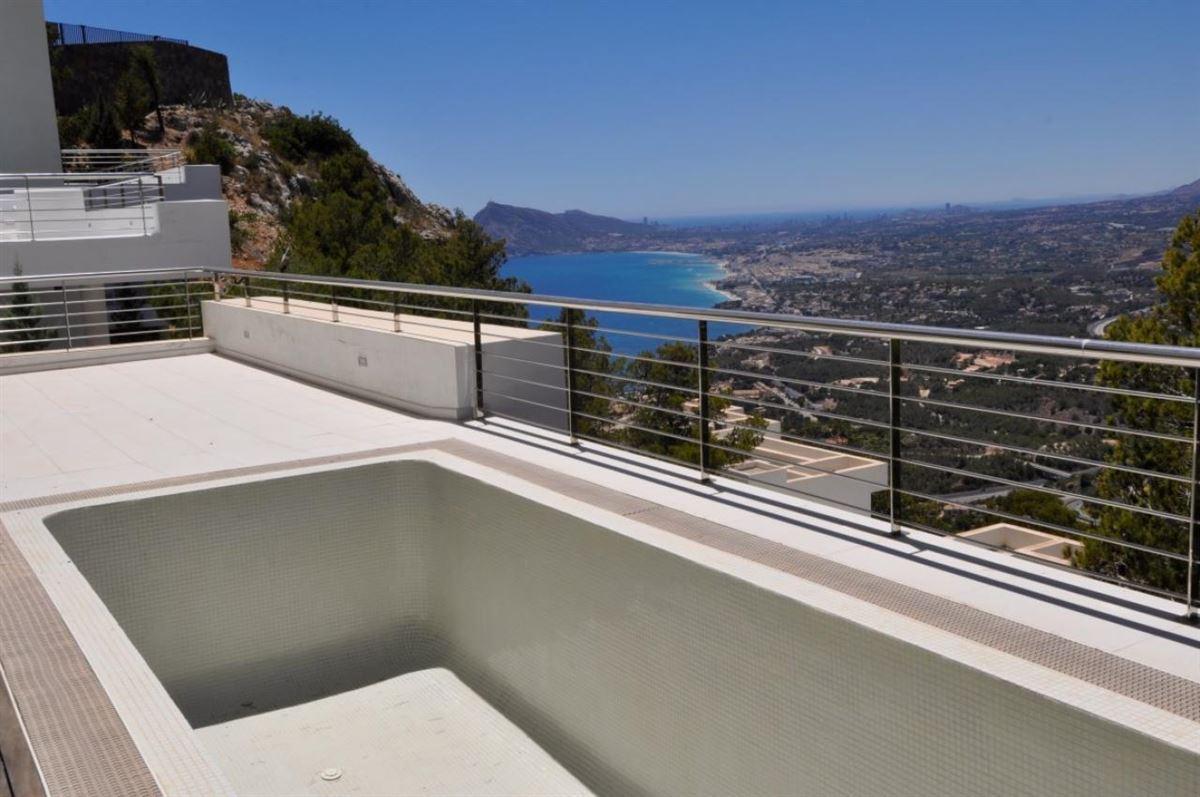Designer House With Sea Views
