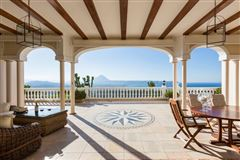 Luxury real estate Magnificent villa in exclusive Portichol area