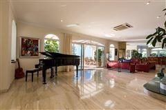 Luxury properties Magnificent villa in exclusive Portichol area