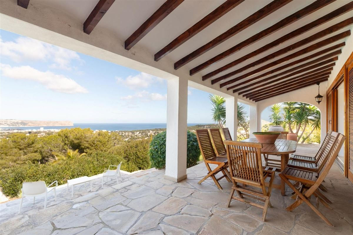 Luxury homes this villa boasts superb views over the bay of Javea and Montgó