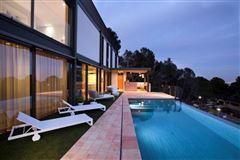 Luxury real estate Unique villa in El Bosque