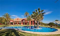 Exclusive luxury villa in an idyllic location luxury real estate