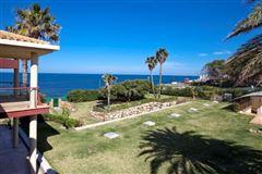 Luxury properties Exclusive luxury villa in an idyllic location
