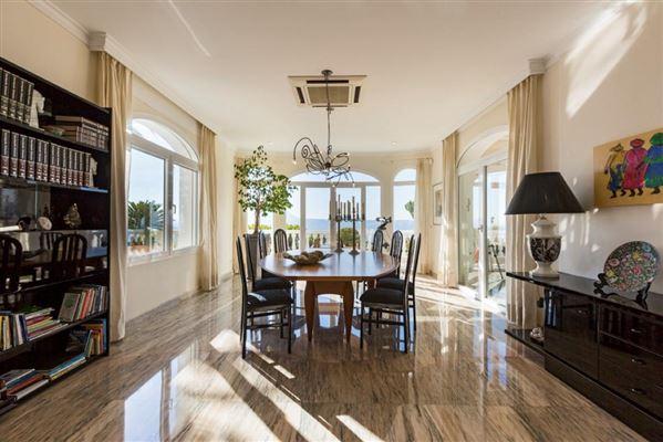 Luxury homes Magnificent villa in exclusive Portichol area