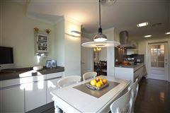 Fantastic penthouse in the heart of valencia mansions