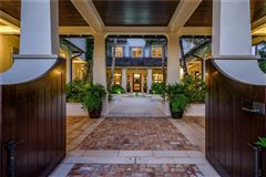 Luxury homes in Sublime Vero Beach estate on pristine beach