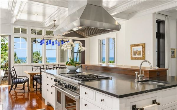 Luxury properties Sublime Vero Beach estate on pristine beach