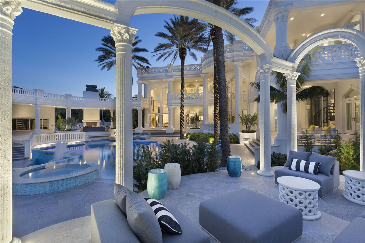 Mansions in majestic jewel in an oceanfront dreamscape