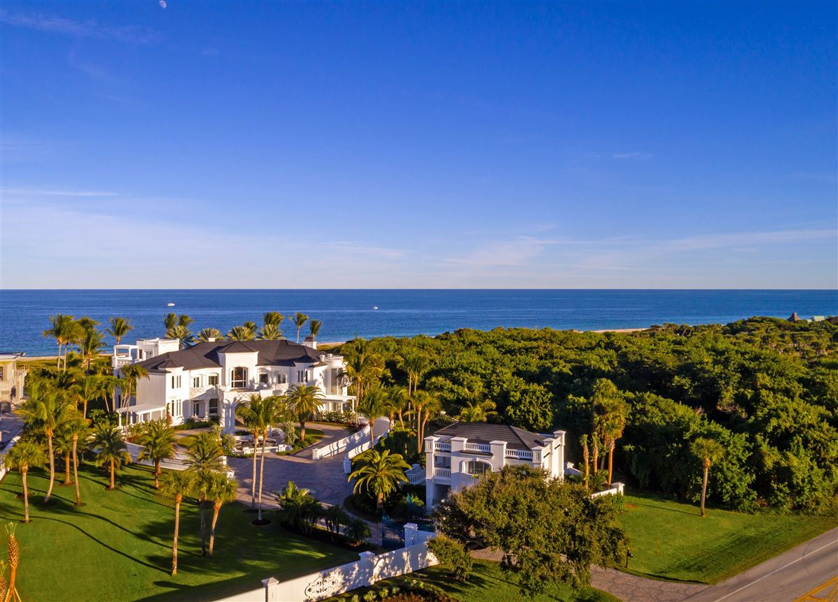 Luxury homes majestic jewel in an oceanfront dreamscape