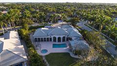 Luxury homes Custom lakefront estate in the heart of Hawks Landing