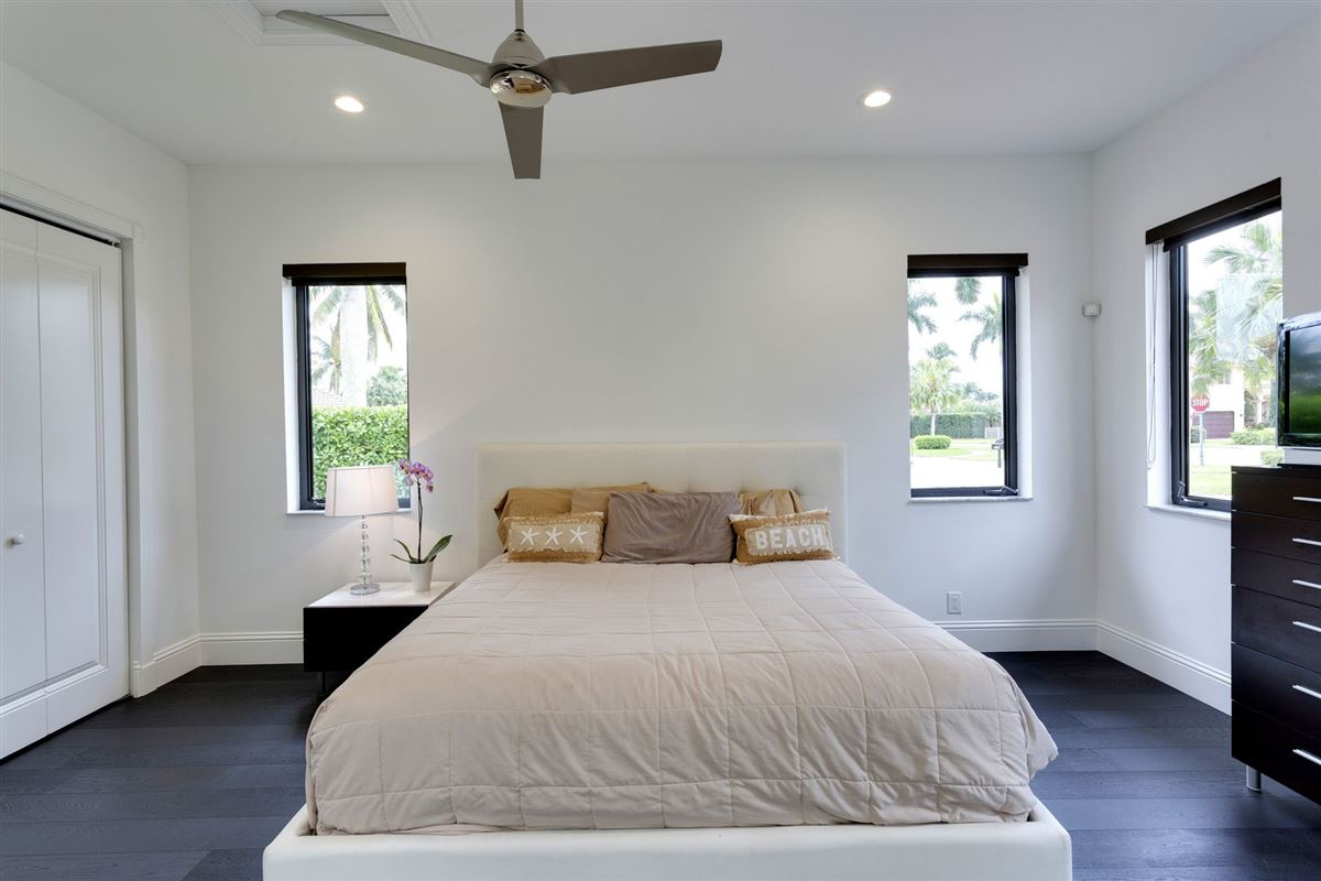 Custom lakefront estate in the heart of Hawks Landing luxury real estate