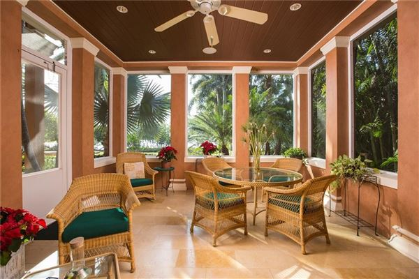 Mansions sophisticated riverfront estate