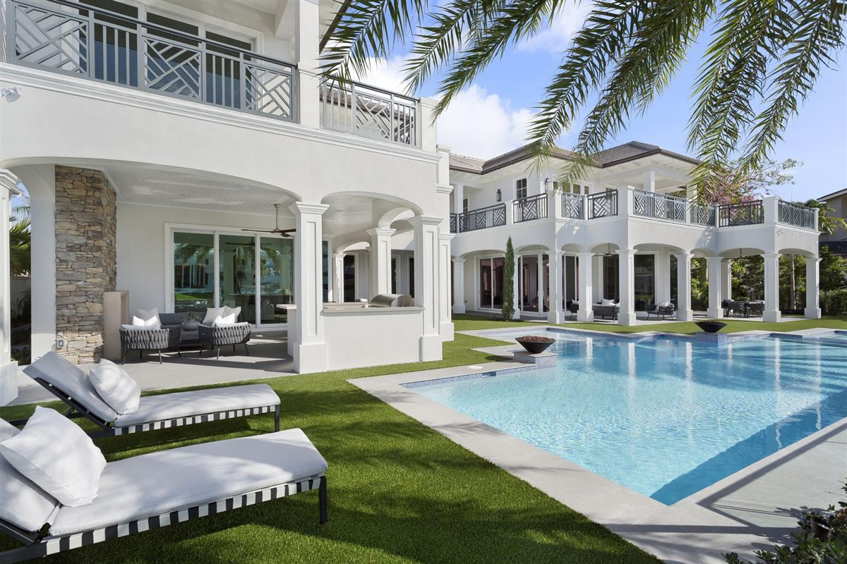 Luxury homes new Royal Palm Grand Canal estate