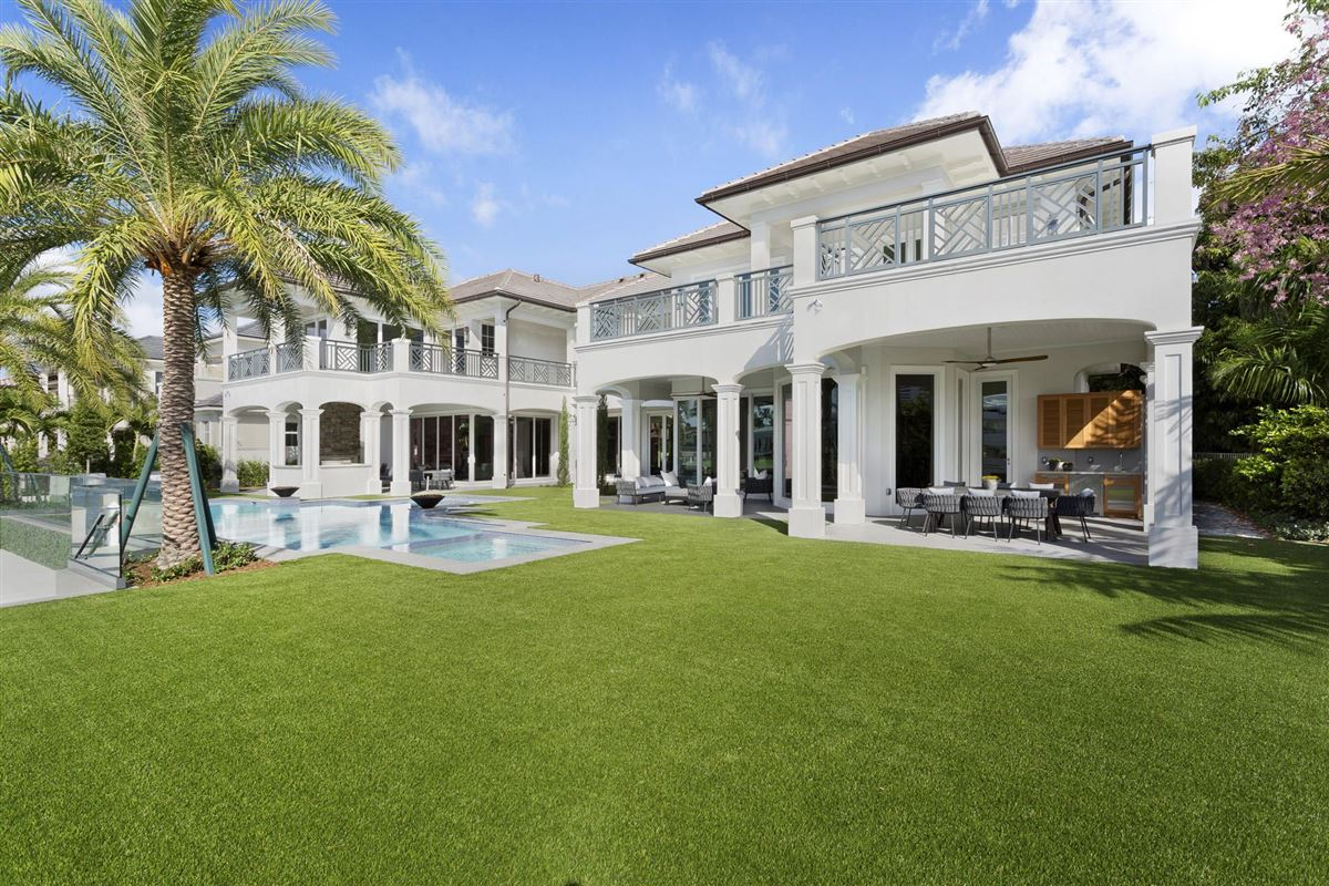Luxury real estate new Royal Palm Grand Canal estate