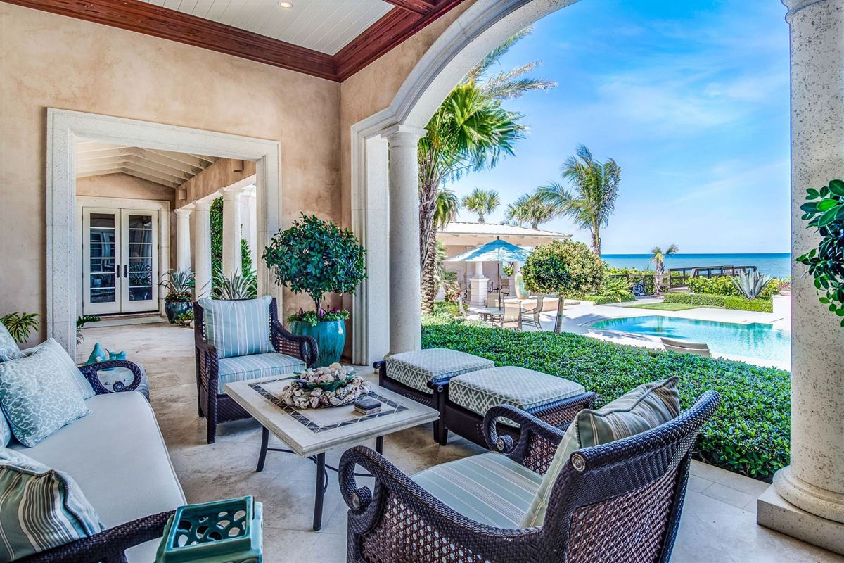 Mansions magnificent estate in ocean pearl