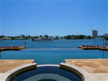 Luxury homes Spectacular Intracoastal point lot estate
