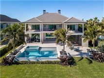 Luxury homes in ample ocean views in vero beach