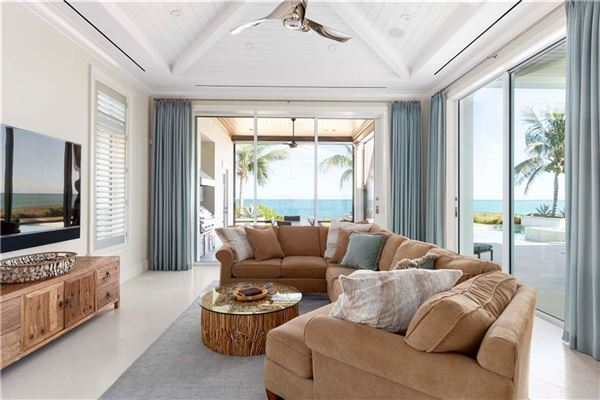 Mansions ample ocean views in vero beach