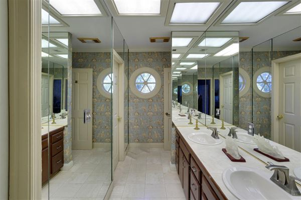 Luxury homes in Lakefront Home in Guard Gated Sea Ranch Lakes