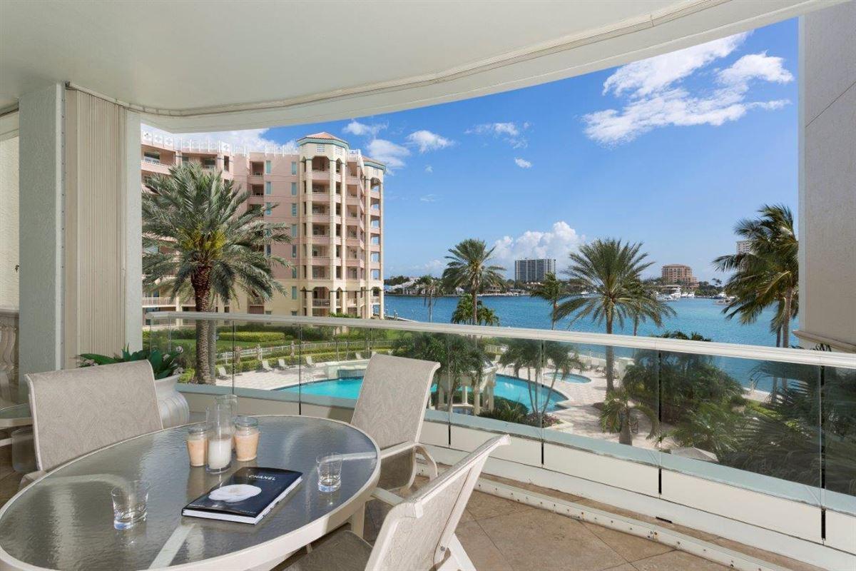 Luxury real estate spacious three bedroom AT MIZNER GRAND