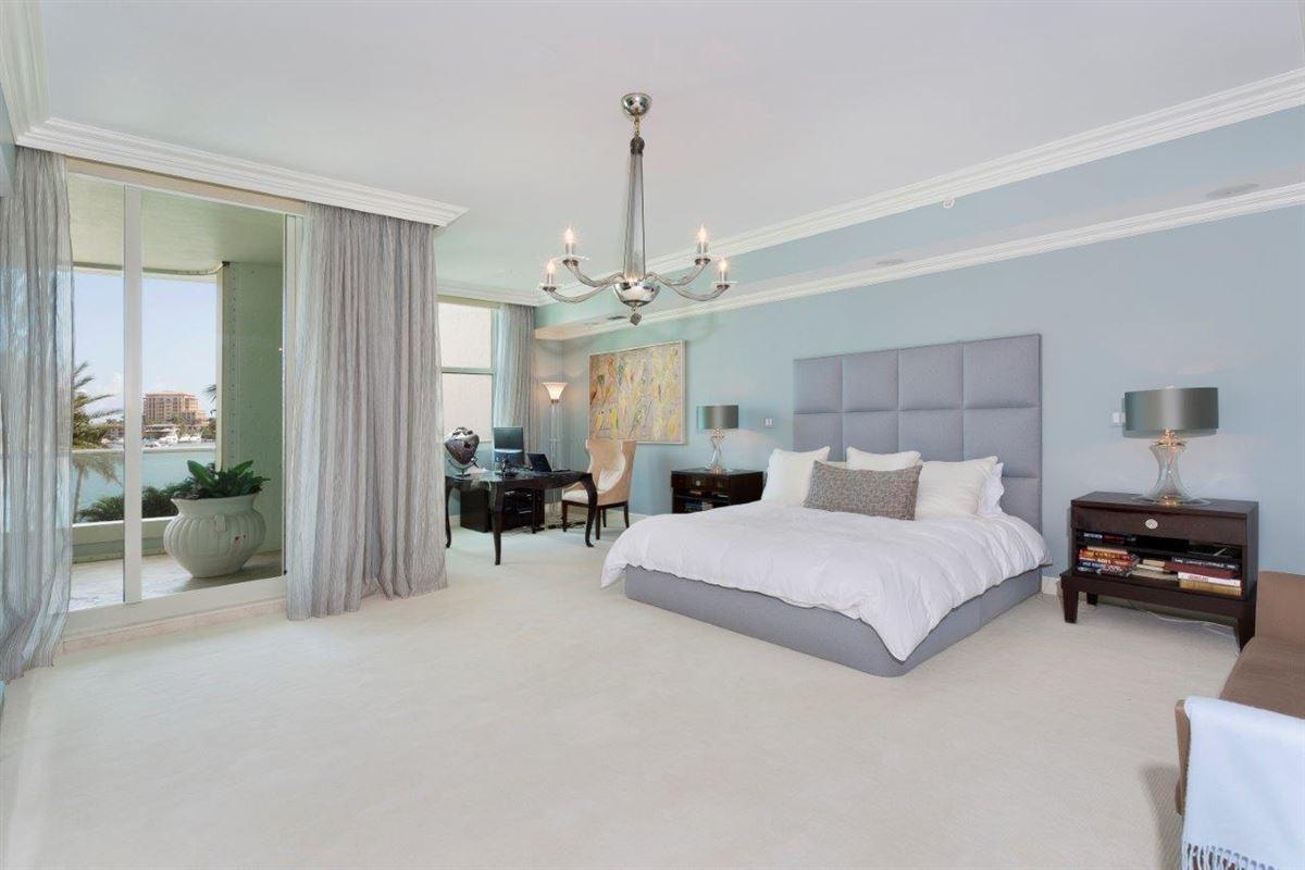 Mansions in spacious three bedroom AT MIZNER GRAND