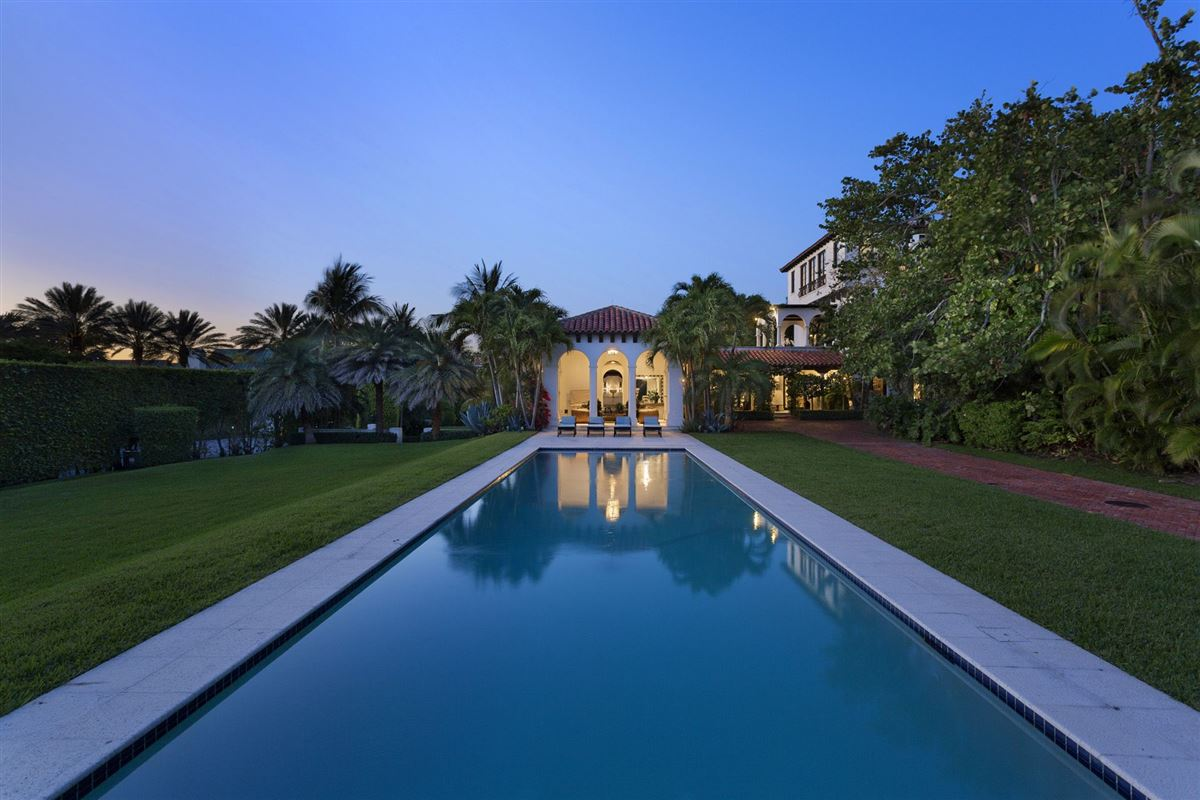 Luxury homes in 1928 architectural gem