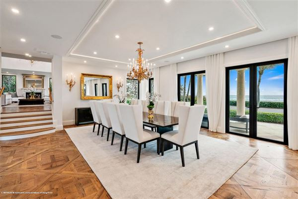 Luxury homes in Estate Section Oceanfront with Beach Access
