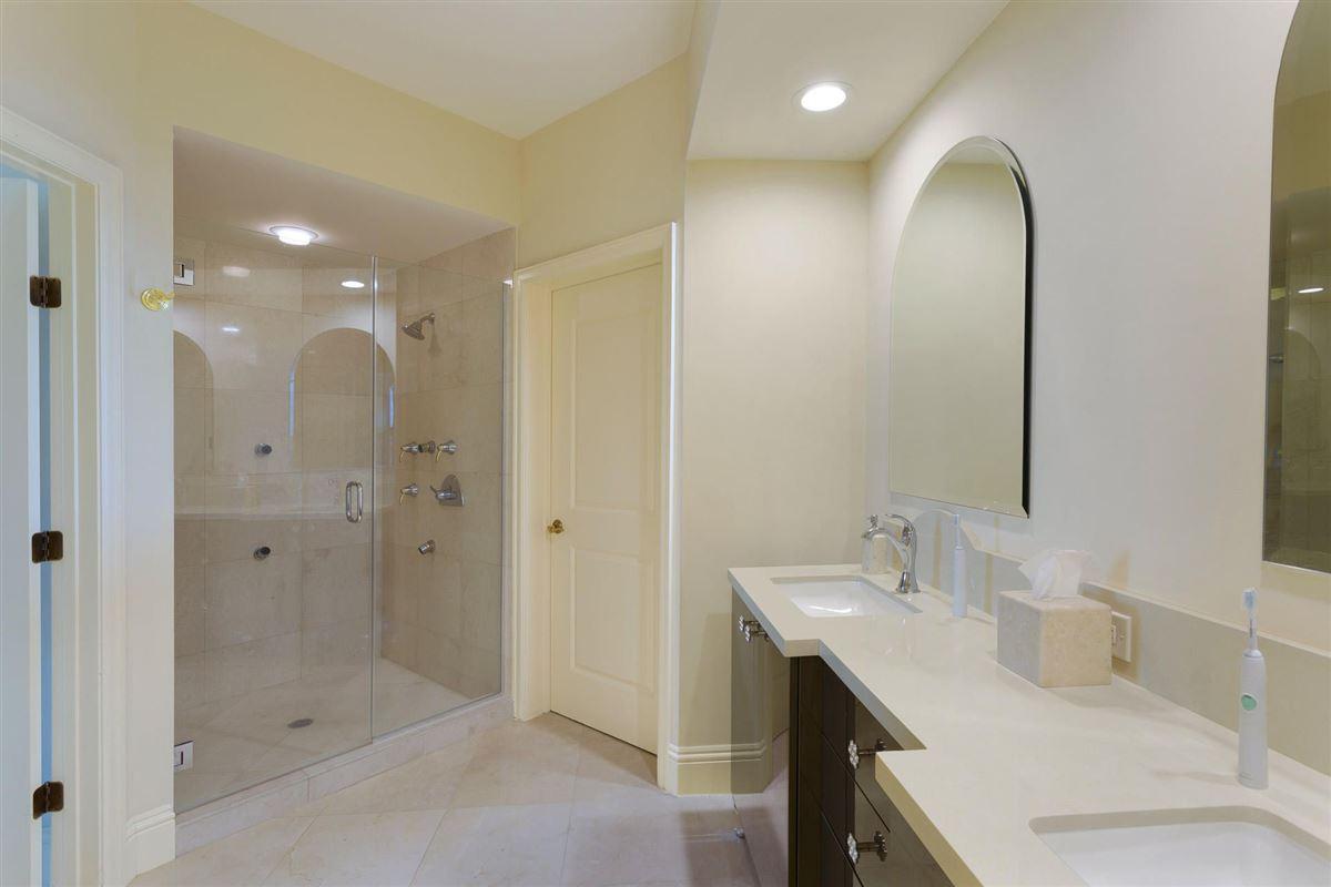 Luxury homes Spectacular wraparound corner unit