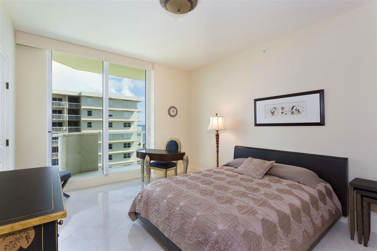 Spectacular wraparound corner unit luxury homes