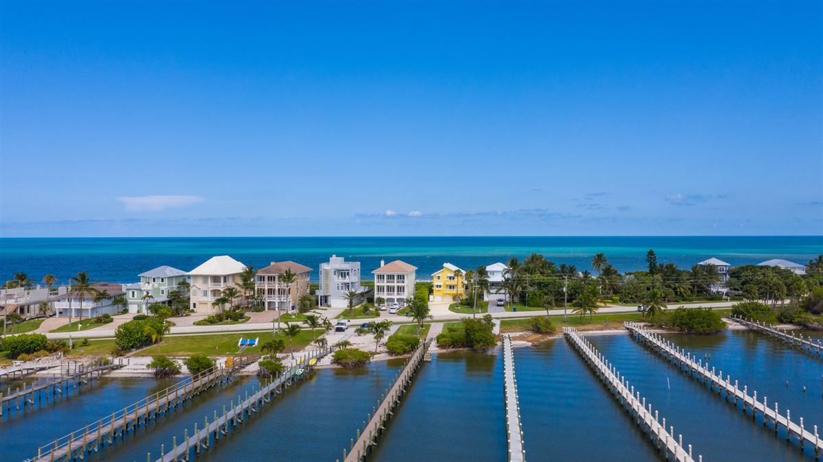 Luxury homes in a Florida lifestyle most can only dream of