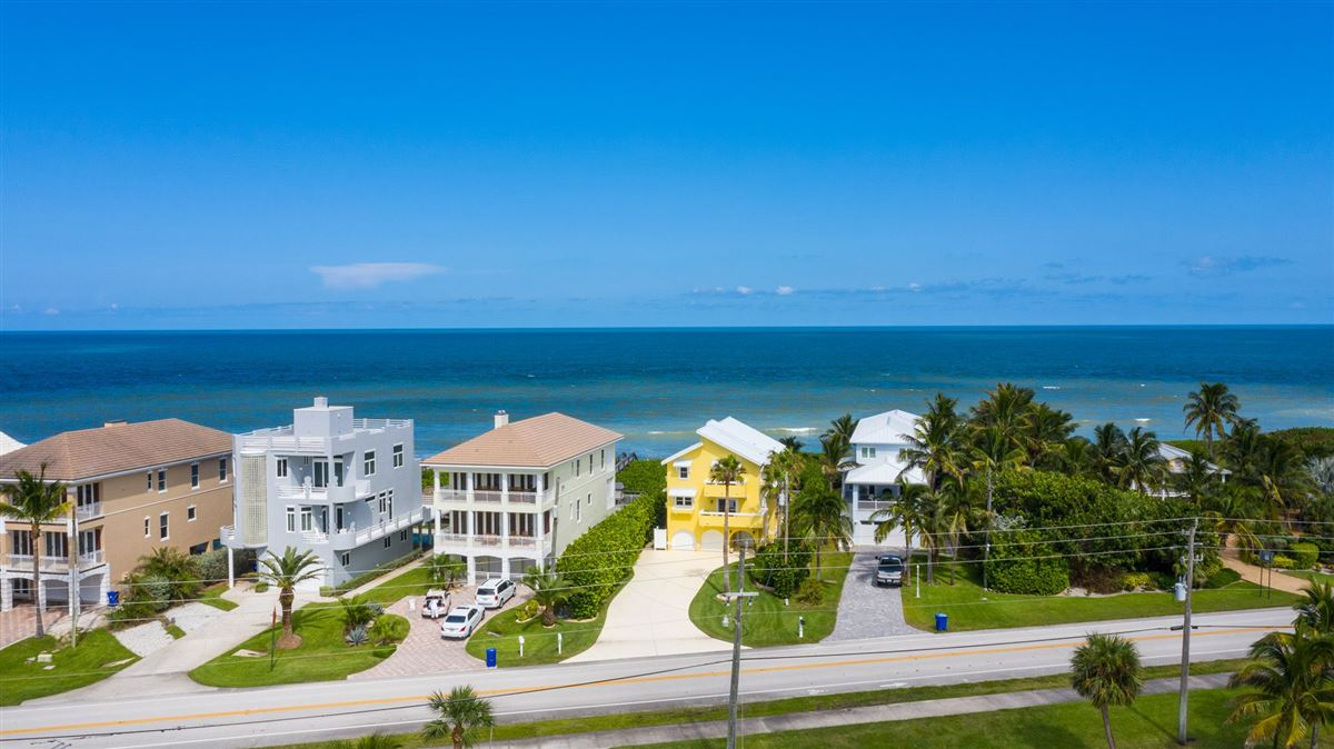 Mansions in a Florida lifestyle most can only dream of