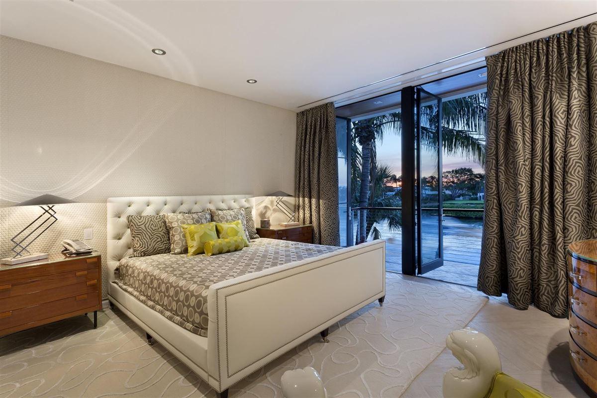 Luxury homes in Museum modern Ocean to Intracoastal estate