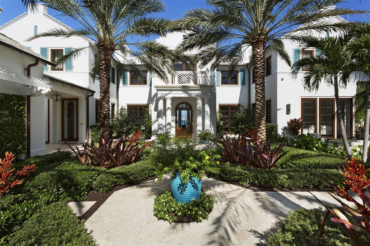 Luxury properties idyllic north-end compound in palm beach