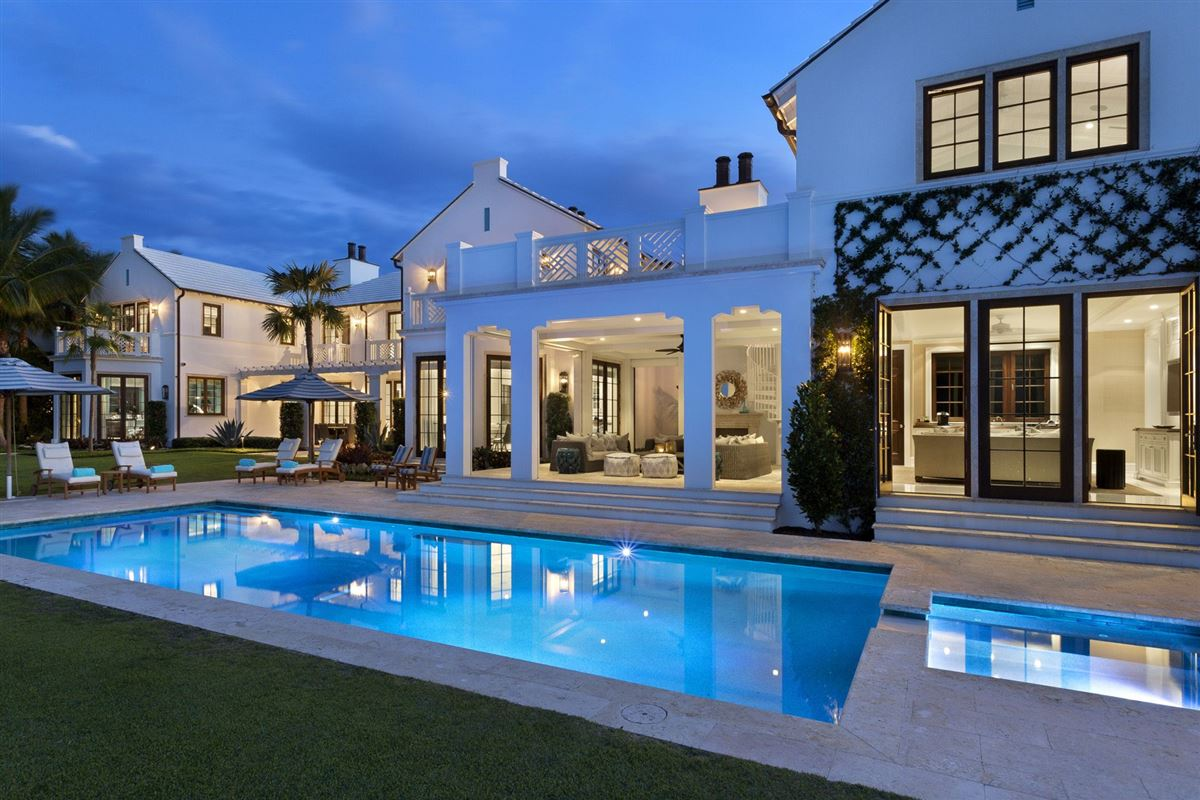Luxury homes idyllic north-end compound in palm beach
