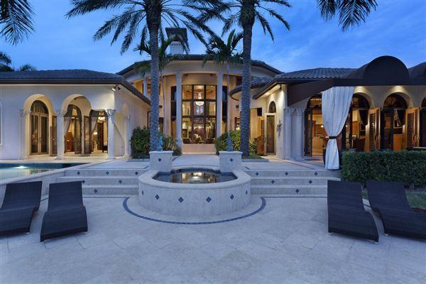 Mansions custom-built showplace