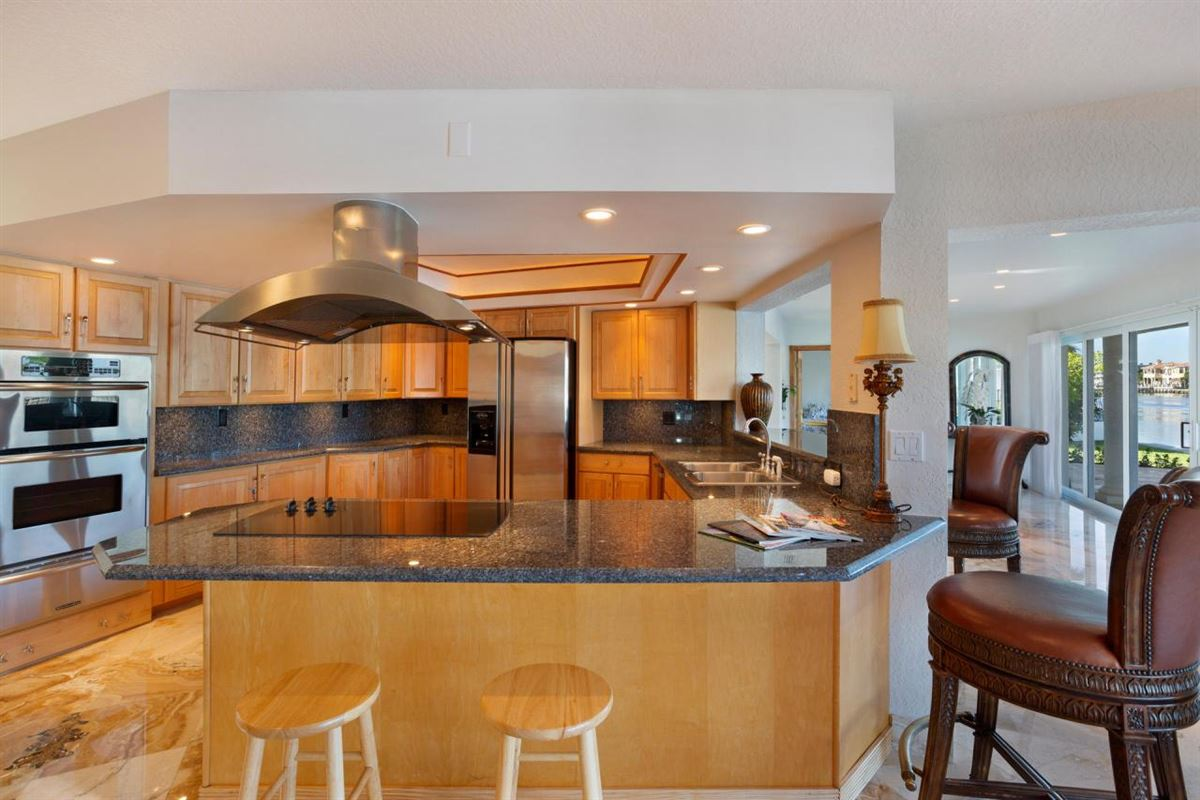 Designed for enjoying the outdoors and gracious entertaining luxury homes