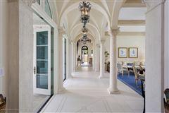 Luxury homes in Modern Seaside Mediterranean