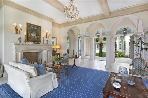 Modern Seaside Mediterranean mansions